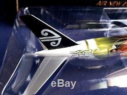 1200 PacMin Air New Zealand Boeing 777-300/ER ZK-OKP The Hobbit Display Model