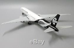 Air New Zealand B777-300ER Reg ZK-OKS JC Wings Scale 1200 Diecast Model XX2303