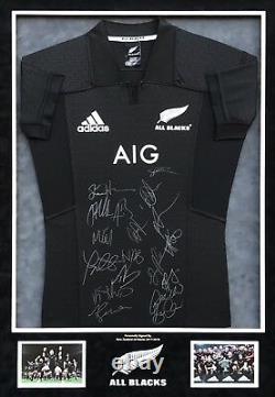 All Blacks New ZEALAND RUGBY TEAM SIGNED & FRAMED JERSEY AFTAL COA (MM)