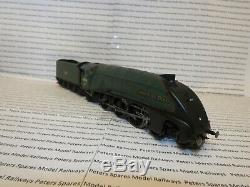 Hornby R2826 USED Class A4 Dominion Of New Zealand BR Green Late Crest OO Gauge
