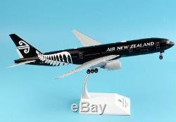 JC Wings 1200 Air New Zealand Boeing B777-200ER Diecast Aircraft Model ZK-OKH