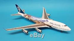 JC Wings 1200 Boeing 747-400 Air New Zealand ZK-SUJ'LOTR' (with stand)