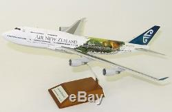 JC Wings XX2859 Air New Zealand Boeing 747-4 LOTR ZK-NBV Diecast 1/200 Jet Model