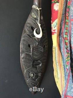 Old New Zealand Maori Hoe Paddle / Club with Fish Hook beautiful collection