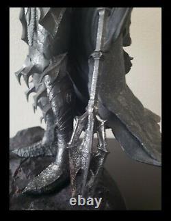 Sideshow Weta The Dark Lord Sauron Polystone Statue