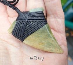 Tainui Nz Maori Greenstone Pounamu Nephrite Flower Jade Bound Engraved Rei Niho