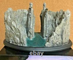 The Argonath Statue Weta LOTR 234/500
