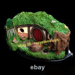 Weta 31 LAKESIDE Hobbiton Scene Model The Lord of the Rings Display Statue